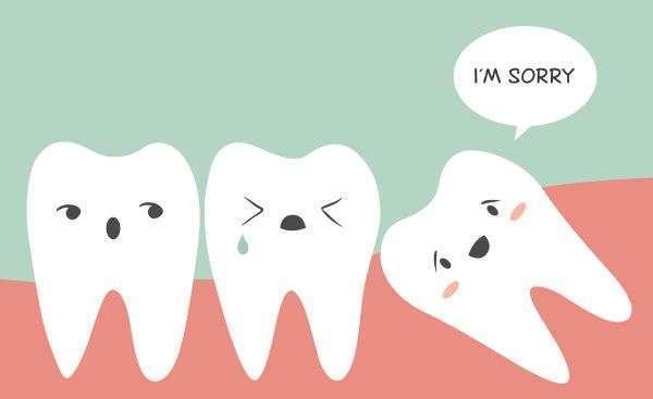 Agorà Medi | denti del giudizio storti